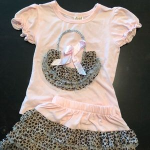 Other - Sassy Leopard and Pink Outfit